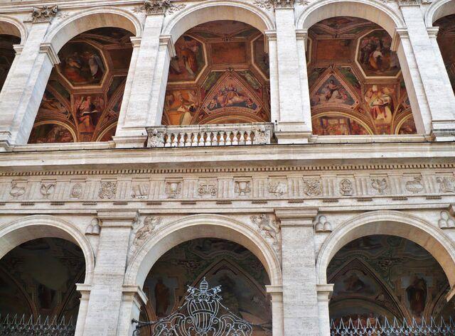 File:BASILICA of St John Lateran - Oct 2008 (2).jpg
