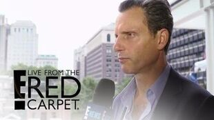 "Tony Goldwyn Teases ""Unbelievably Good"" ""Scandal"" Season 6 E! Live from the Red Carpet"