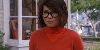 Velma Dinkley (Hayley Kiyoko)