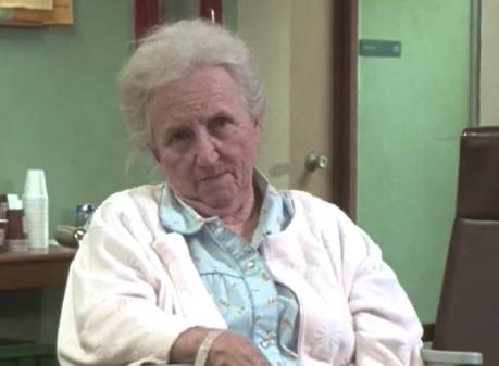File:1x01 Elderly patient.png
