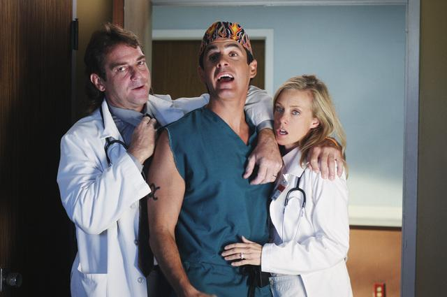 File:8x17 Todd with couple.jpg
