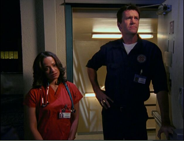 File:5x15-Carla and Janitor find patient.jpg