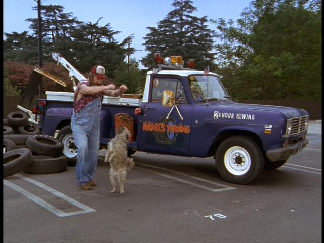 File:2x02 Hank's Towing.jpg