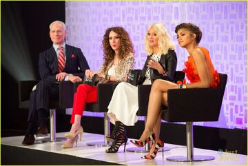 Zendaya-project-runway-appearance-this-week-08
