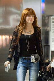 Bella-thorne-black-floral