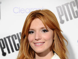 Bella-thorne-pitch-perfect-premiere