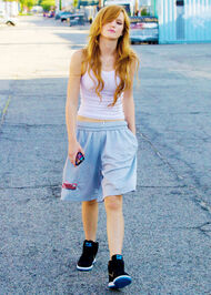 Bella-thorne-with-swaggeyblueshorts-on