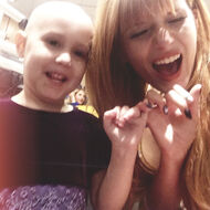 Bella-thorne-with-great-fan