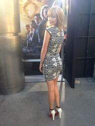 Bella-thorne-The-mortals-premiere