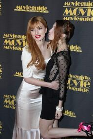 BellaThorne12thMovieGuideAwards(39)