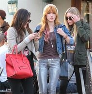 Bella Thorne Lunch11