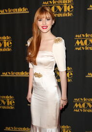 BellaThorne12thMovieGuideAwards(15)