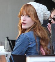 Bella Thorne Lunch15