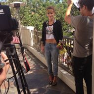 Bella-thorne-being-filmed-navel-showing