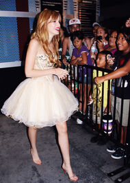 Bella-thorne-2012-event-prettydres