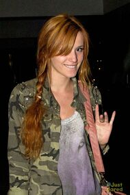 Bella-thorne-in-green-jacket