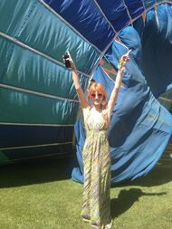 Bella-thorne-Hot-Air-Balloon