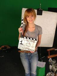 Bella-thorne-action!