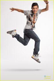 Chris-galya-roshon-fegan-creative-rec-02-danceneverends
