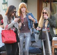 Bella Thorne Lunch13
