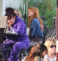 Bella Thorne Lunch28