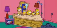 Pie couch gag