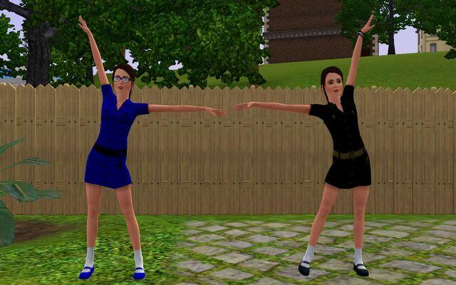 File:Redfield twin pose.jpg