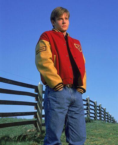 File:Smallville-season-1-promo-243.jpg