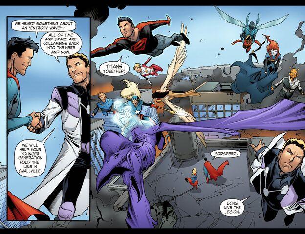 File:Smallville - Continuity 006 (2014) (Digital-Empire)009.jpg