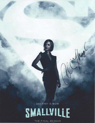 File:Allison Mack Autograph 1 001.jpg