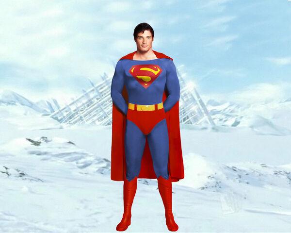 File:Supermanfullbody0wy.jpg