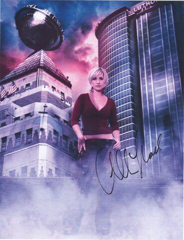File:Allison Mack Autograph 2 001.jpg