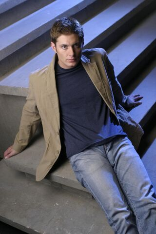 File:Jensen Ackles Smallville Promotional 1-32.jpg