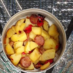 Fig. 18. Pommes de terre, la saucisse et les poivrons (0,4 kg)