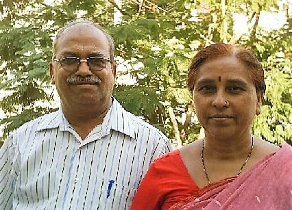 File:Ravindra and Shobha Pardeshi.jpg