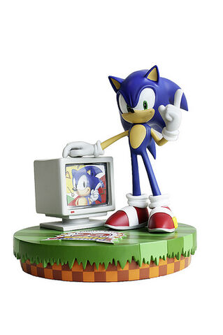 File:Sonic-20th-Anniversary-Toy-Figure.jpg