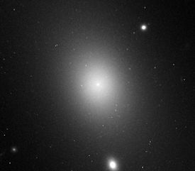IC 1101 in Abell 2029 (hst 06228 03 wfpc2 f702w pc)