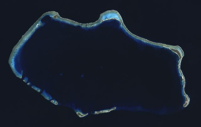 File:Bikini Atoll 2001-01-14, Landsat 7 ETM , bands 3-2-1-8.png