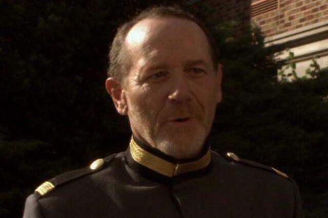 File:Commander Gareth.jpg