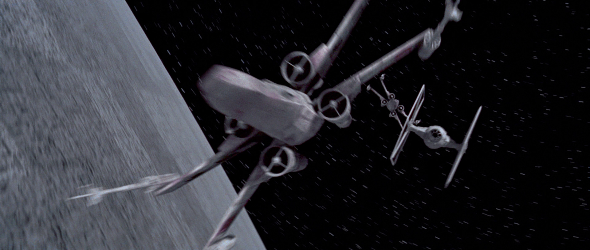 http://vignette4.wikia.nocookie.net/starwars/images/9/97/Yavin_dogfight.png/revision/latest?cb=20150108233707