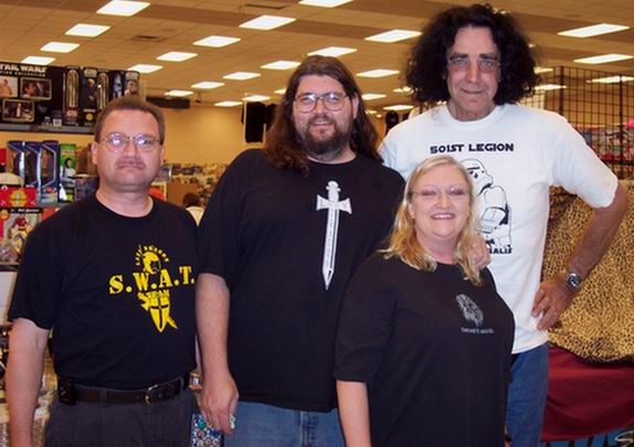 File:SciFiExpo2004Group.jpg