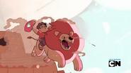 Steven's Lion - Retrieving the pillow