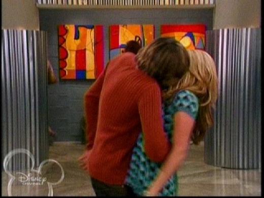 File:Trevor kissing Maddie.jpg