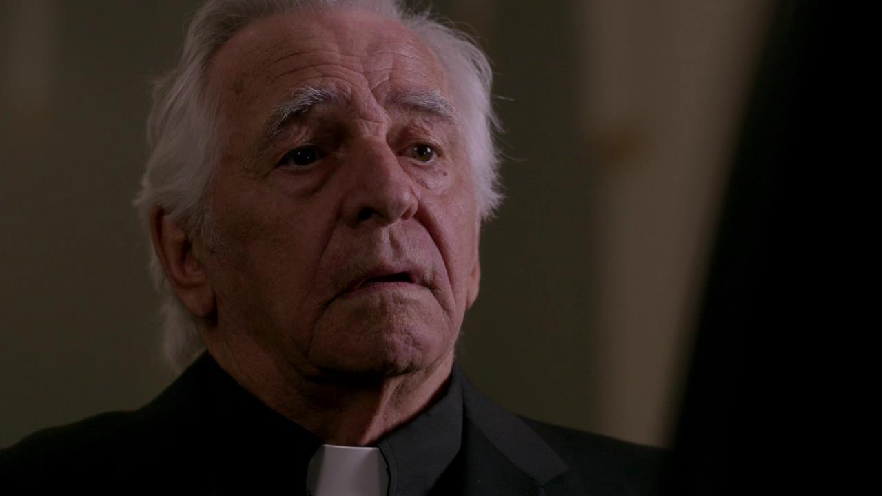 donnelly rhodes legends of tomorrow