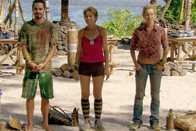 File:Ozzy, Dawn, and Whitney competing in the Redemption Island duel.jpg