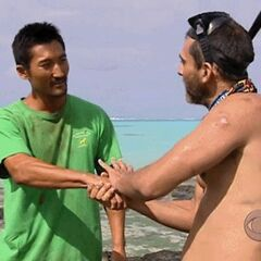 Jonathan flips to Aitu, betraying Raro.