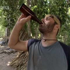 Judd drinking Beer after Nakúm won the <a href=