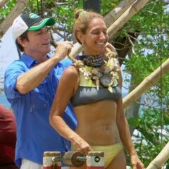 Carolyn wins her first immunity.