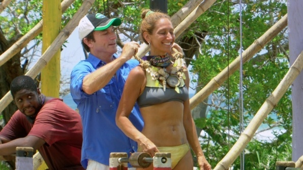File:Survivor-worlds-apart-ep-10-carolyn-immunity.jpg