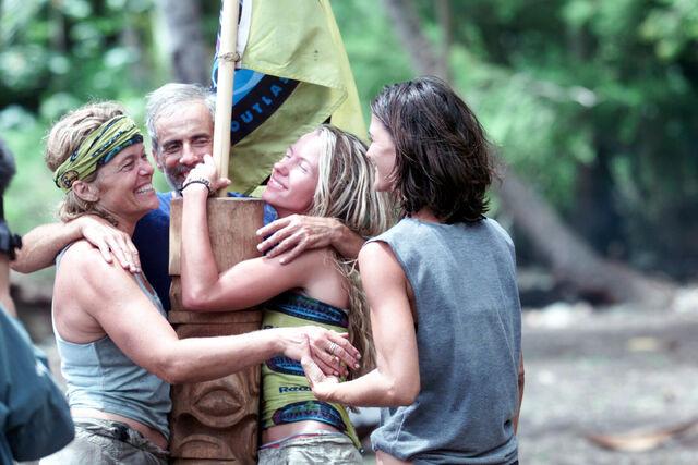 File:Jungle relay marquesas.jpg